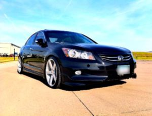 SALE!!! GARAGE KEPT EXTRA CLEAN 1 OWNER O9 ACCORD CLEAN CARFAX for Sale in Cumming, GA