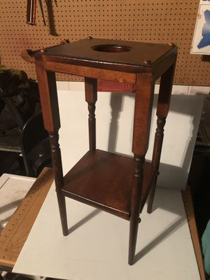 Antique wash basin table for Sale in Cartersville, GA