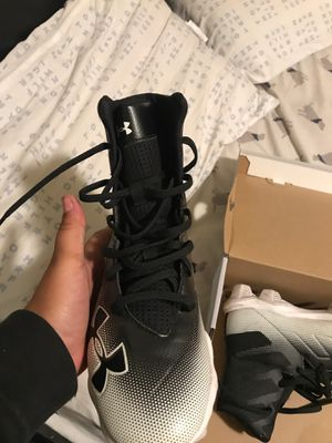 Football cleats size 6 for 80 $ for Sale in Pawtucket, RI
