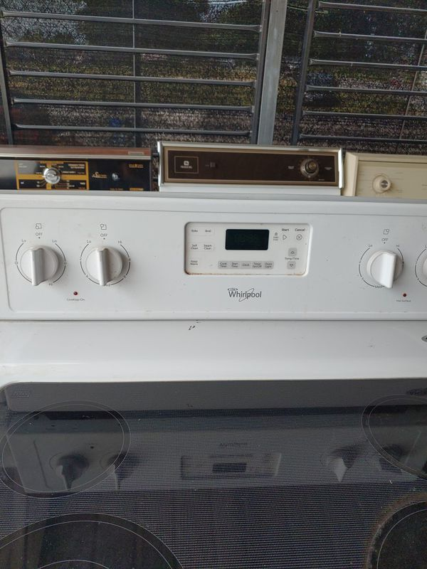 Whirlpool glass top stove