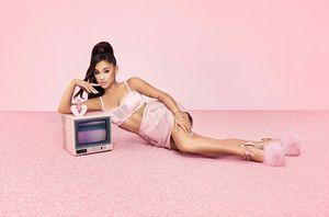 2 Ariana Grande Tickets @ Forum for Sale in Cerritos, CA