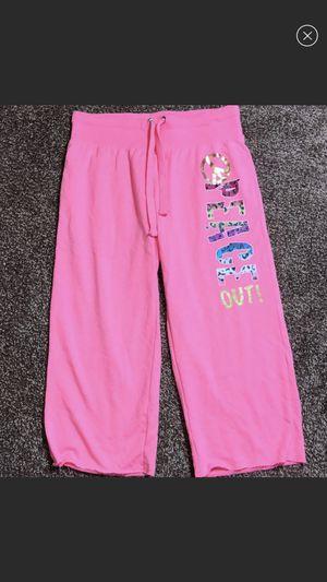 No Boundaries size small hot pink capri pants for Sale in Villa Rica, GA