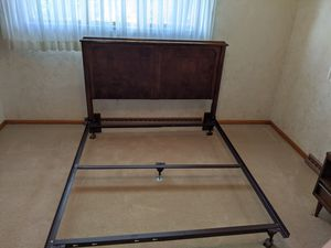 Quenn size, bedroom set for Sale in Monessen, PA