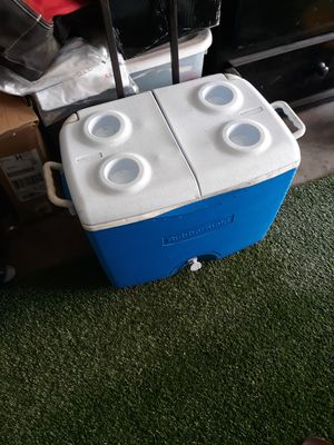 rubbermaid cooler for Sale in Stanton, CA