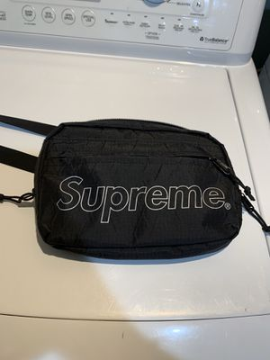 Supreme fw18 shoulder bag for Sale in Wilsonville, OR
