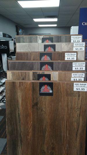 Piso laminado laminate flooring for Sale in Irving, TX