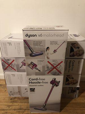 Dyson v6 motorhead vacuum for Sale in Dearborn, MI