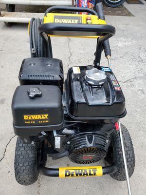 Delwalt water pressure 4400psi bring $650 take it big engine for Sale in Los Angeles, CA
