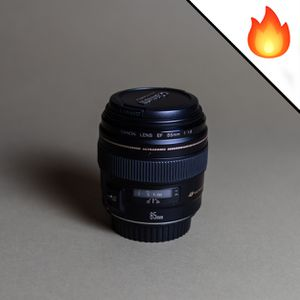 Canon 85mm F1.8 USM lens for Sale in Queens, NY