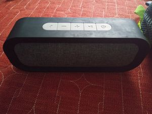 Bluetooth speaker for Sale in Sioux Falls, SD