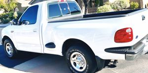 EVERYTHING WORKS FORD F-150 XLT RUNNING PERFECT for Sale in Columbus, OH