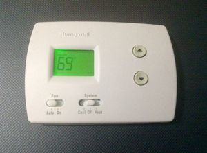 Honeywell Thermostat NIB for Sale in Thomasville, NC