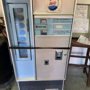 Vintage Pepsi Bottle Machine for Sale in Happy Valley, OR
