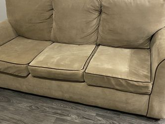 Beige Couch for Sale in Broomfield,  CO