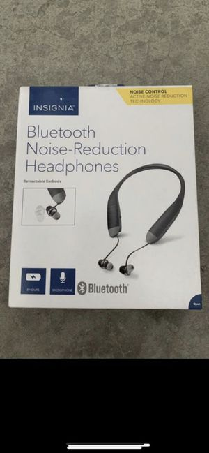 New Insignia - NS-CAHBTEBNC-B Wireless Noise Canceling Headphones BK w/charger $10 firm for Sale in Irvine, CA