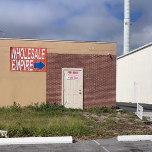 Wholesale Empire: Tools, Appliances, Xmas Trees for Sale in Largo, FL