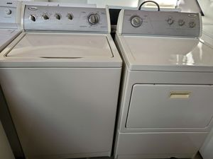Washer and dryer set perfect condition beige for Sale in Miami Lakes, FL