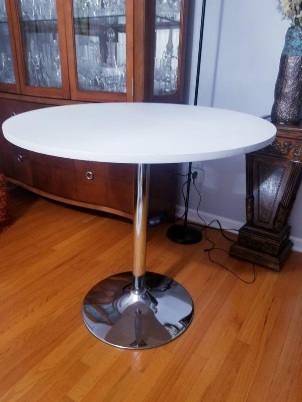 Small kitchen table regular height