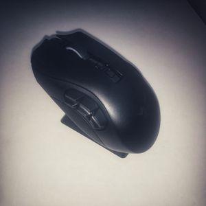 Razer Naga Pro Wireless Gaming Mouse + Razer Mouse Charging Dock Chroma for Sale in Phoenix, AZ