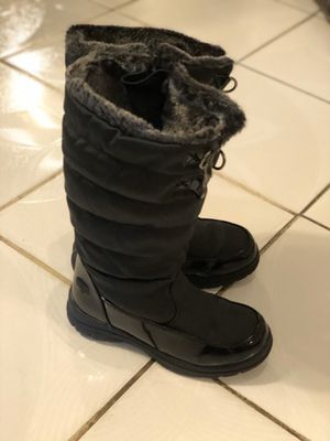Boots for girl excellent shape size 2 ——- $15 for Sale in Aurora, CO