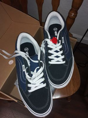 Van's shoes mens 9 new in box for Sale in Tulare, CA