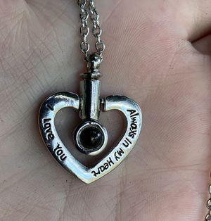 Memory urn necklace (pls read description) for Sale in Palm Bay, FL
