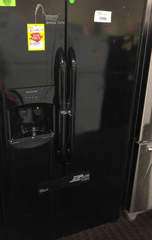 Black Frigidaire Side by Side Refrigerator 5KP for Sale in Houston, TX