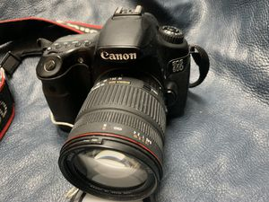 Cannon EOS 60D DS 126281 digital camera with nice lens for Sale in Golden, CO