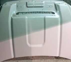 GMC Sierra factory oem Hood PEARL WHITE HD 2500 & 3500 Z71 for Sale in San Antonio,  TX