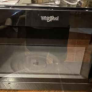 Whirlpool Microwave for Sale in Houston, TX