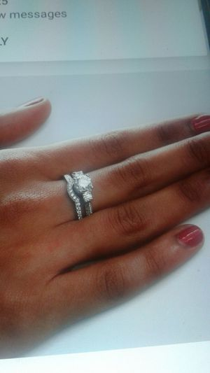 Gorgeous Women 925 Silver Round Cut White SapphirebRing for Sale in Phoenix, AZ