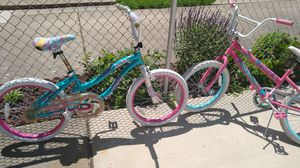 2 bikes for girls the wheel is 20inches for Sale in Dearborn, MI