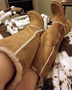 UGG BOOTS SZ 7 for Sale in Surprise, AZ
