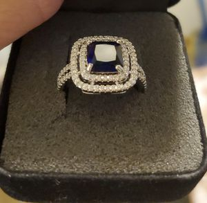 Sz 7 Exquisite Blue Sapphire Ring for Sale in Vancouver, WA