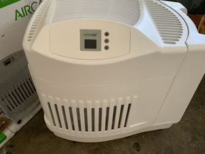 Aircare console 2.5 gallon humidifier / like new excellent condition in original box for Sale in Las Vegas, NV