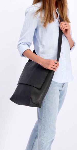 Black leather Crossbody bag for Sale in Lancaster, PA