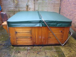 "Spa Cover Hot Tub Cover 77 x 83"" (outer vinyl shell only) Green for Sale in Tampa, FL"