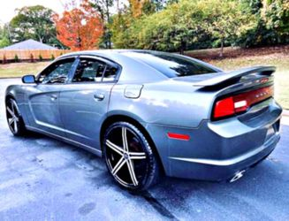 DRIVE TODAY! __'12__ Dodge SXT Charger V6 for Sale in Harrisonburg,  VA