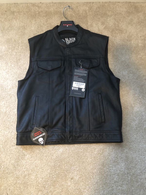 Motorcycle leather vest size Large. Brand new