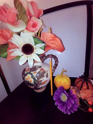 Vase for Sale in Ontario, CA