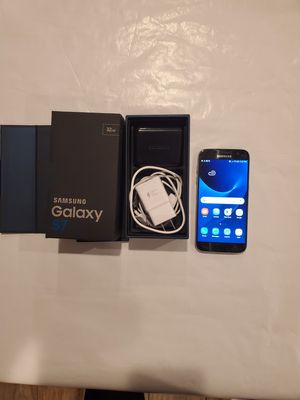 Samsung Galaxy S7 Unlocked 32G + Phone Case +Accessories for Sale in Chicago, IL