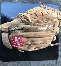 Rawlings Player Preferred Baseball Gloves pp110br for Sale in Snohomish,  WA