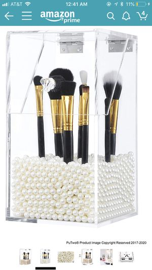 PuTwo Acrylic Makeup Brush Holder with White Pearls for Sale in New York, NY