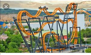 Sixflags California season passes with free parking for Sale in Los Angeles, CA