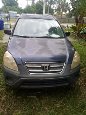 2006 honda crv runs great. Great family car. Just needs minor cosmetic new paint. Put everything else is perfect. 165.000 miles for Sale in Oakland Park, FL