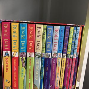 Roald Dahl Phizz Whizzing Collection for Sale in South Gate, CA