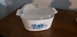 Large Pyrex correlle covered casserole dish for Sale in Orlando, FL