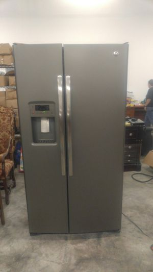 GE Adora side by side stainless steel refrigerator for Sale in Orange Park, FL