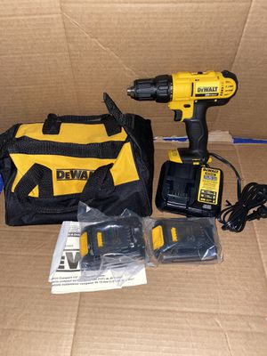 DEWALT 20-Volt MAX Lithium-Ion Cordless 1/2 in. Drill/Driver Kit with (2) 20-Volt Batteries 1.3Ah. New for Sale in Riverbank, CA