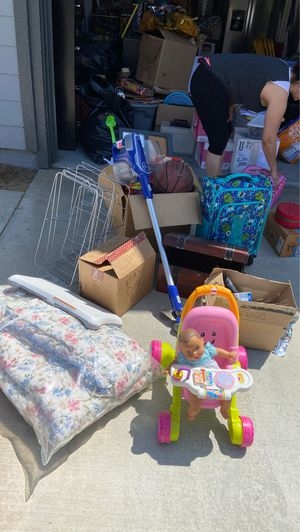FREE, vacuum, suitcase, toys. First COME first SERVE for Sale in Fontana, CA